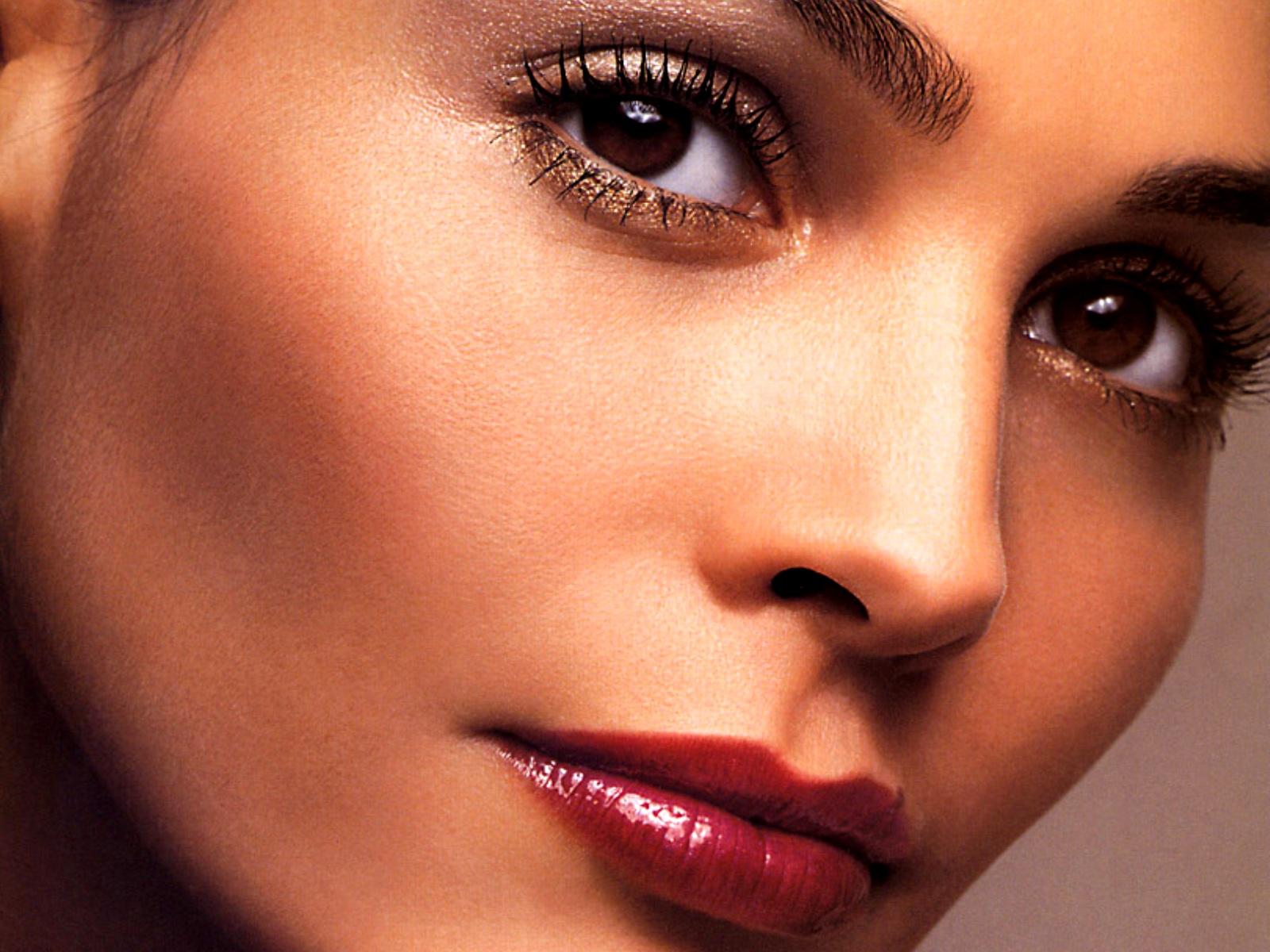 Причины проведения пластики носа